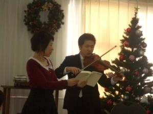 今年が最後のクリスマス会になるSK兄のバイオリン
