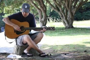 Brianのギターで賛美をしました